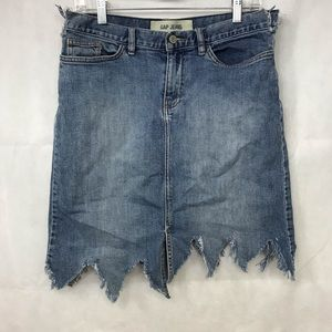 Gap Jeans Denim Distressed Skirt Sz 6 zigzag cuts